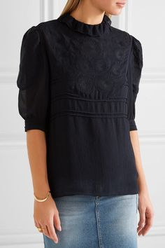 Navy georgette Button-fastening keyhole at back 100% polyester; lining: 60% acetate, 40% viscose Dry clean