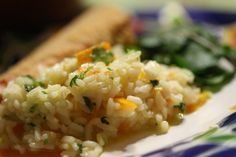 Arroz de Cenoura com Coentros - O arroz dá para fazer de toda a maneira! http://grafe-e-faca.com/pt/receitas/massas-arrozes-pizzas/arroz/arroz-de-cenoura-com-coentros/