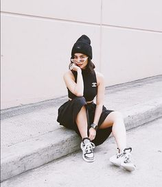 Anne Curtis Outfit, Anne Curtis Smith, Arch Light, Sneakers Street Style, Gloomy Day, Pinoy, Casual Chic, Babe, Louis Vuitton