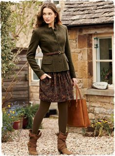Tweed Military Jacket Hijab come mettere le hijab English Country Fashion, British Country Style, Mode Outfits, Winter Outfits, Fashion Outfits, Womens Fashion, Petite Fashion, Curvy Fashion, Mode Chanel