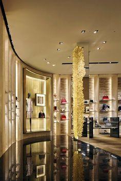 Boutique di lusso a Milano la Guida per la ragazza - fendi