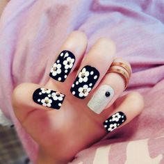 Black And White Flowers With Silver Accent Nails