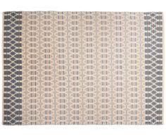 Ein Mix aus Schurwolle und Baumwolle machen dieses Modell zu Ihrem neuen Lieblingsbegleiter: Teppich SMOOTH COMFORT von Tom Tailor ist genau das! Ein sanfter, komfortabler Teppich, der mit seinem beige-blauen Design auch optisch eine gute Figur macht. Was können Sie sich mehr wünschen?