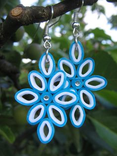 handmade quilled earrings by Kamila Koucká