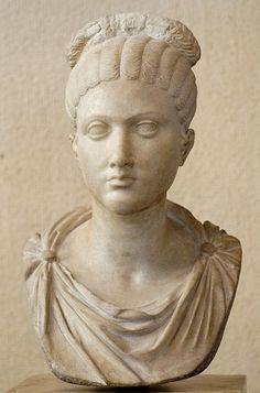 Louvre Ma3452. Female portrait. Marble, Roman artwork, last quarter of the 1st century BC.