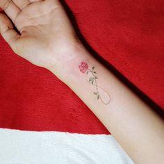 """465 """"Μου αρέσει!"""", 14 σχόλια - 타투이스트 팀영 (@tattooist_ty) στο Instagram: """". Rose 🌹 🌿 . #타투 #팀영타투 #서울타투 #셀카 #인스타 #컬러타투 #꽃 #꽃타투 #셀스타그램 #소통 #데일리 #follow #얼스타그램 #tat #tattoos…"""""""