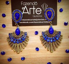 Acessórios são indispensáveis para um look incrível!!!!!  Que tal o brinco Montana Blue para o fim de semana?  Vem para o site!!! 40% OFF!!! www.fazendoartebijuterias.com.br