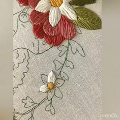 Hand Embroidery Videos, Hand Embroidery Flowers, Embroidery Stitches Tutorial, Flower Embroidery Designs, Creative Embroidery, Silk Ribbon Embroidery, Embroidery Hoop Art, Crewel Embroidery, Hand Embroidery Patterns