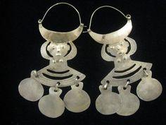 Stunning Vintage Araucano-Mapuche Indian Tribal Figurative Earrings from Chile… Brass Jewelry, Tribal Jewelry, Boho Jewelry, Jewelery, Jewelry Accessories, Handmade Jewelry, Tribal Earrings, East Coast Style, Unusual Jewelry