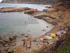 Playas ibiza, Spain. La otra cara de Ibiza, playas de Ibiza, rincones de Ibiza, paisajes de Ibiza, Cala Conta Ibiza, Ibiza isla blanca, sitios que visitar en Ibiza, Ibiza beaches, Ibiza white island, places to go in Ibiza. #LaOtraCaraDeIbiza