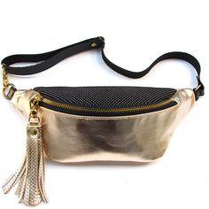 Stylish Fanny Pack, Belt Bags, Leather Belt Bag, Two Best Friends, Bum Bag, Leather Design, Purses And Bags, Shoulder Bag, Fashion