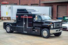 For Sale: Kodiak Toterhome Toy Hauler Motor Home RV 1990 Chevrolet Kodiak Toterhome Toy Hauler Motor Home RV Black Medium Duty T Rv Truck, Big Rig Trucks, Gmc Trucks, Diesel Trucks, Cool Trucks, Super C Rv, Single Cab Trucks, Star Rain, Camper Repair