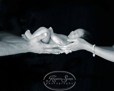 newborn picture ideas @jamiepinkey @Melanie Bauer Boffo Williams