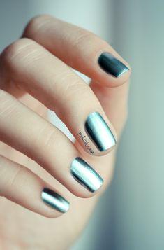 Mirror nails - LOVE