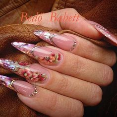 #brillbirdnails #nailaddict #onemovement #onestroke #gelnails #nailsinstragam #nails #nailart #nails #flowernails #iloveit #bedobabett #autumnnails