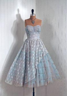 1950#39;s Vintage Strapless Tulle Dress
