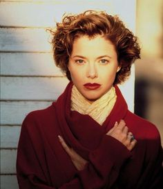 Annette Bening Annette Benning, Grown Out Pixie, Hollywood Glamour, Classic Hollywood, Haha, Atomic Blonde, Grow Out, American Actress, Movie Stars