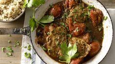 Hähnchen auf Italienisch mit köstlichen Tomaten: Schnelle Hähnchenschnitzel mit gerösteten Tomaten und Marsala | http://eatsmarter.de/rezepte/schnelle-haehnchenschnitzel