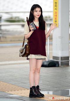 Korean Girl Fashion, Kpop Fashion, Daily Fashion, Kpop Outfits, Girl Outfits, Cute Outfits, Cold Weather Fashion, Petite Outfits, Kpop Girls