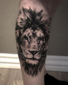 50 Eye-Catching Lion Tattoos That'll Make You Want To Get Inked tatouage de lion noir et gris Lion Chest Tattoo, Lion Tattoo Sleeves, Lion Head Tattoos, Mens Lion Tattoo, Leo Tattoos, Cat Tattoo, Body Art Tattoos, Sleeve Tattoos, Animal Tattoos For Men