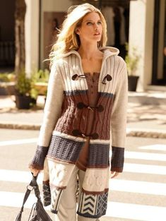 Knitting Patterns Coat Knitted coat / how to tie a cardigan in lalo style Crochet Coat, Knitted Coat, Crochet Clothes, Chic Outfits, Trendy Outfits, Fashion Outfits, Womens Fashion, Coat Patterns, Knitting Patterns