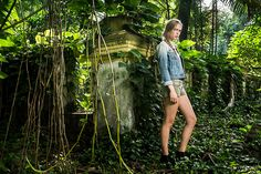An urban jungle in the heart of the city was our first location. Lit with an Elinchrom Quadra on 1/4 power (power 4)