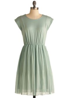 Simple and pretty dress...adore.