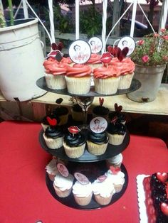 Betty Boop themed party cupcakes