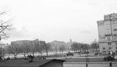 Március 15. tér a Petőfi tér felé nézve, háttérben a budai Vár. Budapest, Revolution, Street View, Beautiful