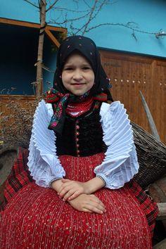 Folk Costume, Girl Costumes, Romania, Tulle, Girls, Fashion, Toddler Girls, Moda, Daughters