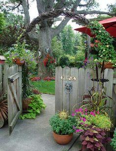 garden patio design idea with awning - Home and Garden Design Ideas Into the secret garden. Dream Garden, Garden Art, Home And Garden, Garden Modern, Garden Front Of House, Sun Garden, Modern Patio, House Front, Shade Garden