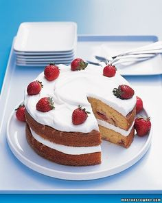 Strawberry Cake with Whipped Cream Recipe