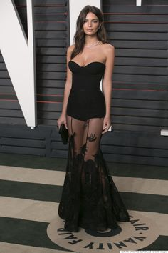 Emily Ratajkowski rocking a classic LBD - We love the sexy silhouette this dress creates and the amount of skin on show is peeeeeerfect! http://www.interswinger.com/?siteid=1713445