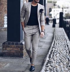 The seasons are changing but your style doesn't have to be boring. ##GentlemansGuru ##mensfashion ##fashion ##style ##ootd ##dapper ##mensstyle ##fa... - RAY Ray - Google+