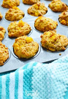 These Mango Muffins are so moist and delicious and are perfect for breakfast, brunch or snacks. These muffins are bursting with mango flavor and are simple to make. Mango Dessert Recipes, Mango Recipes, Juicer Recipes, Detox Recipes, Salad Recipes, Mango Muffins, Muffin Recipes, Baking Recipes, Mango Cake