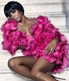Kelly looking pinktastic!