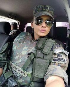 Military Girl, Military Jacket, Female Army Soldier, Pink Guns, Hero World, Warrior Girl, Military Women, Amazing Women, Camouflage