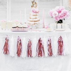 Looking for rose gold party supplies and decorations? Denny has a complete range of rose gold balloons, cups, plates and more. Birthday Sash, Happy Birthday Bunting, Gold Birthday, Rose Gold Candle, Gold Candles, Rose Gold Paper, Rose Gold Glitter, Bougie Rose Gold, Rose Gold Party Supplies