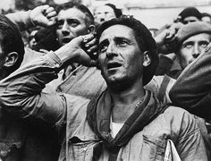 Bidding farewell to the International Brigades, which the Republican government dismissed. Robert Capa, Spanish Civil War, Montblanch, near Barcelona First Indochina War, War Photography, Social Photography, Street Photography, Landscape Photography, Fashion Photography, Wedding Photography, Robert Capa, Budapest