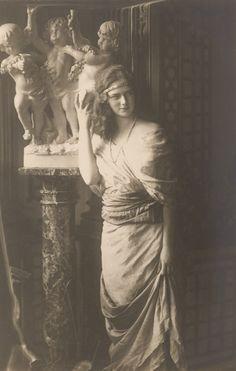 Princess Ileana of Romania Gallery / A. S. R. Principesa Ileana Postcard Vintage Photos Women, Vintage Photographs, Vintage Images, Romanian Royal Family, Princess Alexandra, Princess Lea, Casa Real, Royal House, Queen Mary