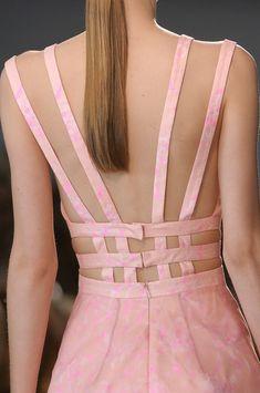 Cuellos y Escotes.             ♡♡♡RGPENROSE