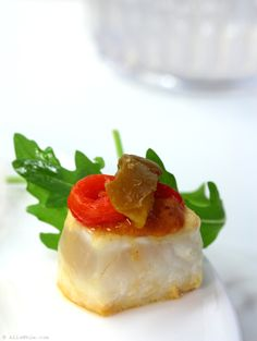 """Swordfish bites with Catalan """"romesco"""" sauce and peppers"""