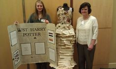 A dress made out of pages from a Harry Potter book Star Events, Making Out, Dress Making, Book Art, Harry Potter, Stars, Archive, Blog, Eye