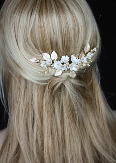 wedding hairstyles with headpiece LUCILLE floral bridal headpiece 2 Floral Headpiece, Headpiece Wedding, Wedding Veils, Bridal Headpieces, Gold Wedding, Bridal Hair, Hair Wedding, Clay Flowers, Hair Flowers