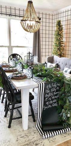 21 Christmas Table Settings Ideas Elegant and Simple Christmas ChristmasTableelegant Elegant Ideas settings Simple Table ChristmasTable - cakerecipespins. Christmas Dining Table, Christmas Table Centerpieces, Christmas Table Settings, Christmas Tablescapes, Holiday Tables, Christmas Decorations, Diy Centrepieces, Christmas Place Setting, Centerpiece Ideas