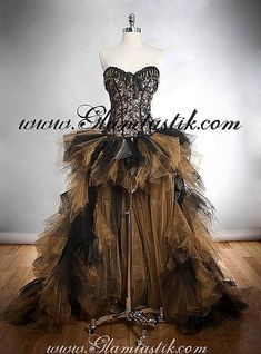 Custom Size Black and Gold lace chain and tulle Burlesque Corset Dress short in the front long train in the back from Glamtastik on Etsy. Gold Tulle, Gold Lace, Gold Corset, Rave Outfit, Zombie Bride, Burlesque Corset, Fantasias Halloween, Lady Grey, Glamour