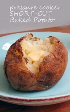 Short-cut Potatoes: bake potatoes in half the time! ⋆ hip pressure cooking - pressure cooker recipes - Pressure Cooker Short-cut Potatoes I would extend the time if using extra lar - Pressure Oven, Hip Pressure Cooking, Stovetop Pressure Cooker, Power Pressure Cooker, Pressure Cooking Recipes, Instant Pot Pressure Cooker, Pressure Cooker Baked Potatoes, Instant Cooker, Pressure Canning