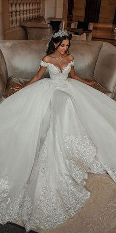 Cute Wedding Dress, Wedding Dress Sleeves, Princess Wedding Dresses, Dream Wedding Dresses, Wedding Gowns, Wedding Cakes, Wedding Rings, Extravagant Wedding Dresses, Wedding Venues