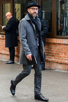 casual mens fashion that look really hot. Mens Boots Fashion, Best Mens Fashion, Fashion Sale, Fashion Trends, Fashion Ideas, Fashion Inspiration, Vintage Modern, Cool Vintage, Stylish Men