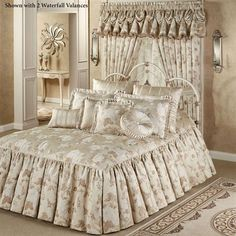 Laurette Floral Ruffled Flounce Grande Bedspread from J Queen New York with black silk sheets Bed Cover Design, Designer Bed Sheets, Daybed Sets, Beautiful Bedrooms, Dream Bedroom, Bed Covers, Soft Furnishings, Luxury Bedding, Bed Spreads